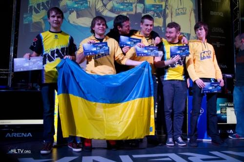 Natus Vincere - победители IEM6 Global Challenge Kiev. Слева-направо: markeloff, ceh9, Zeus, Edward, starix.